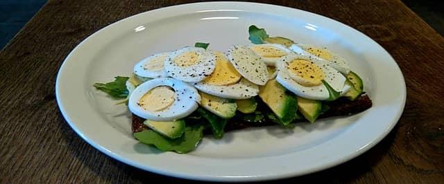 Altid sørg for at tage lidt af hvert fra din firma frokostordning på tallerkenen!