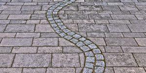 Hej mine dejlige læsere! I dag her på bloggen skal det handle om betonfliser. Er det noget, som du har tænkt på, at få lagt i haven?